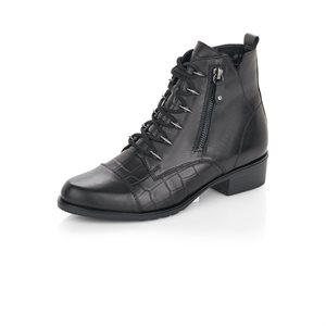 Black laced Bootie D6880-01
